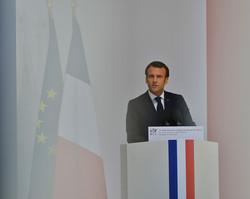 E.Macron Thones