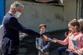 Covid-19- Laurent Wauquiez brings masks