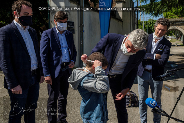 Covid-19- Laurent Wauquiez brings masks