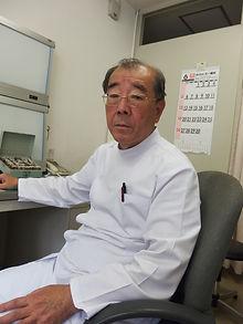 松村内科胃腸科 院長写真