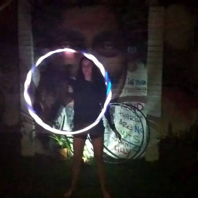 Talk about a post float glow !! Carla has never hooped in her life before and after just one float, look what she can do ;)😂