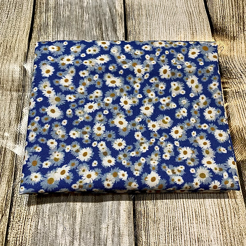 Blue White Daisies Floral Pattern