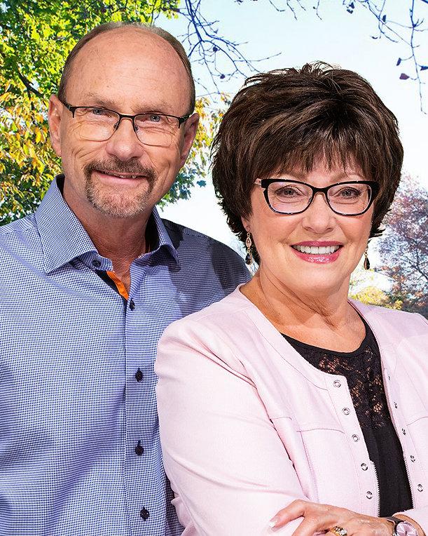 Dick and Joan web photo 2021.jpg