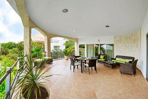 Penthouse in luxury Villas, first floor, long and short term. BLAR01 - 04