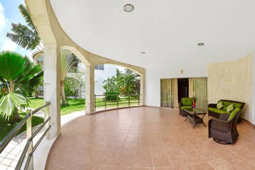 Apartment in Villa, ground floor, Tulum center. 180 sqm, 2 bedrooms, pool BLBV03