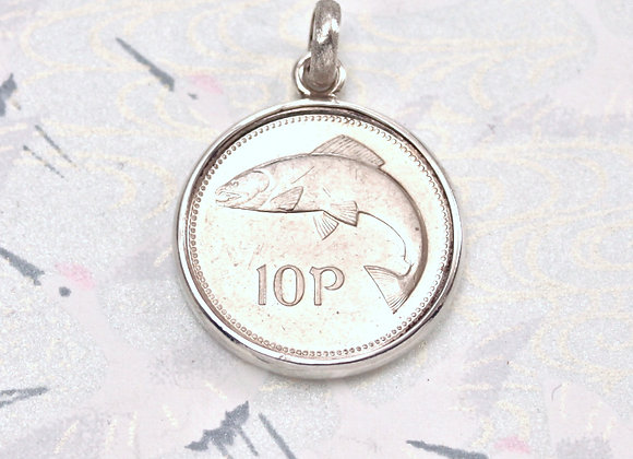BC621 Salmon of Knowledge Coin Pendant