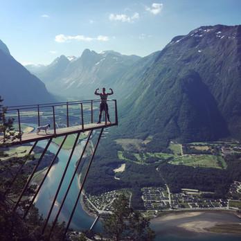 På tur over Romsdalseggen