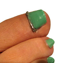 KD-Devicepainted-nails2-768x760.jpg