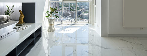 Interior%2520in%2520a%2520modern%2520style%2520with%2520white%2520walls%2520and%2520light%2520tiled%