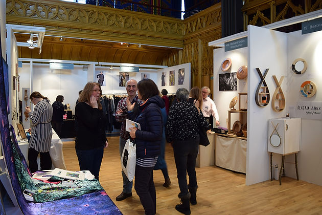 Corner Exhibition Stands Up : How to make the most of a small shell scheme exhibition stand