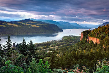 Columbia_River_Gorge_(3).jpg