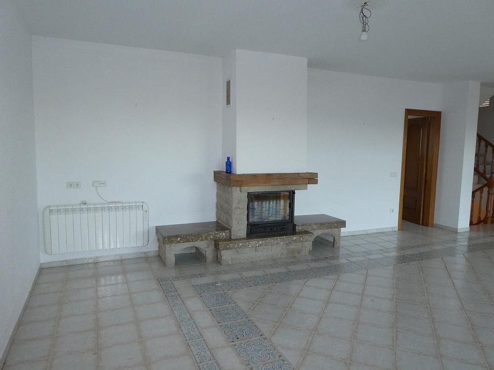 Salon avant travaux et cheminée d'origine