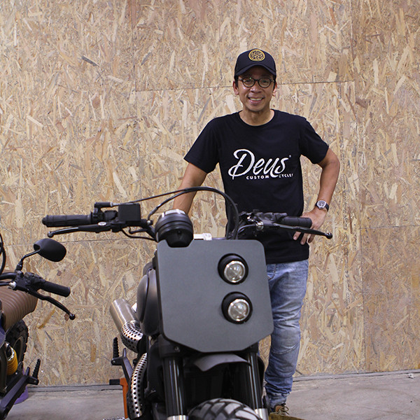 Kim Atienza at STKD Shop, Loving the Deus Ex Machina Apparels available in selected Stokedinc. Shop.