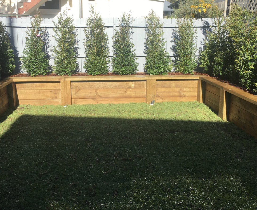 Retaining beds and Timber Fence