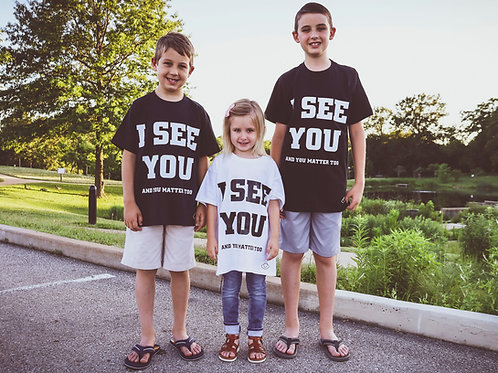 "Kids I See You ""Basic Tee"""