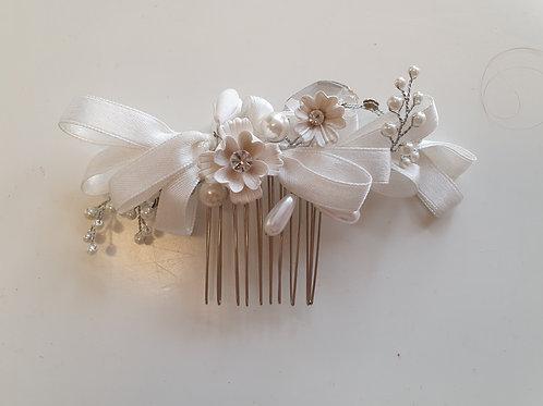 Ivory Ribbon & Pearl Hair Vine