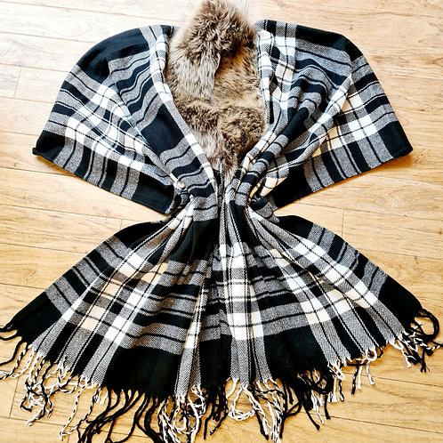 Scottish check black and white  wrap with fur collar