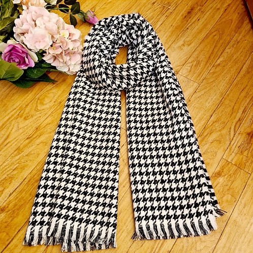 Check Black and White Scarf
