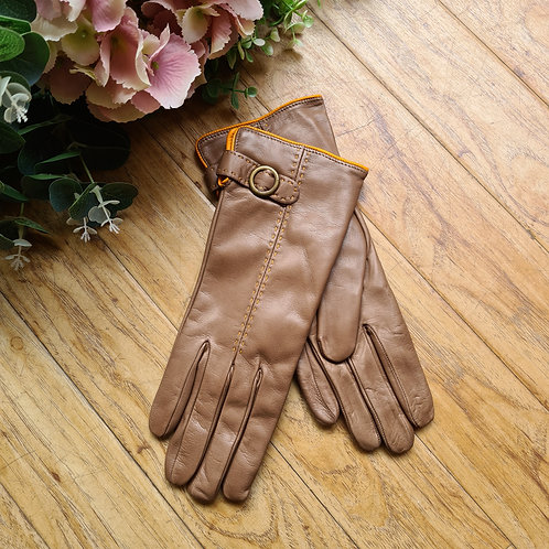 Tan Italian leather gloves with tassels