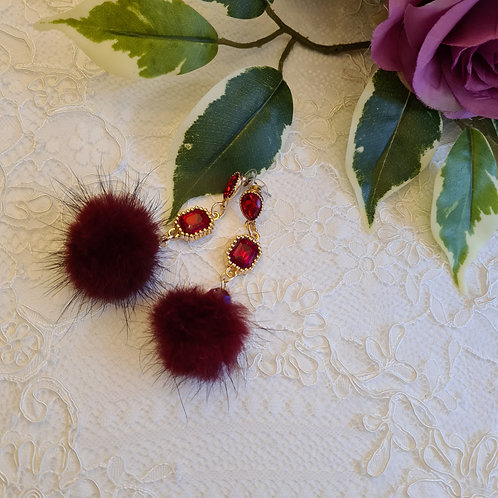 Earrings with red pompom