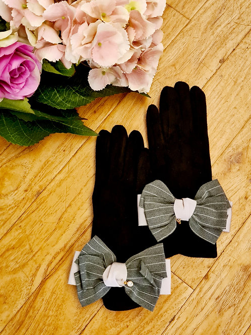 Gloves with bow one size