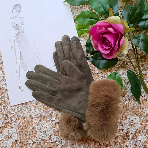 Green Gloves with Fur