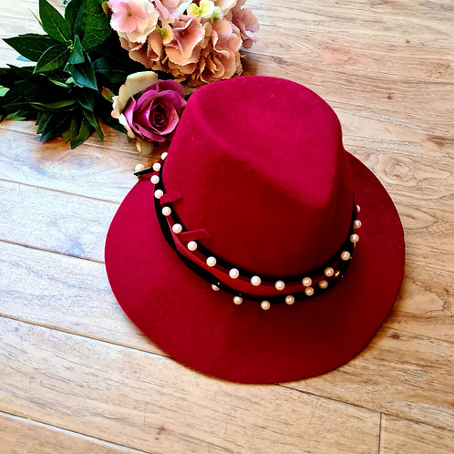 Italian 100% wool hat with pearls