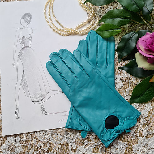 Leather gloves one size