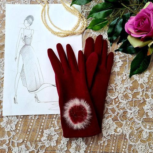 Burgundy gloves with pompom