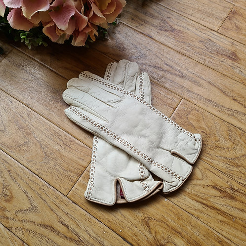 Cream  Italian leather gloves