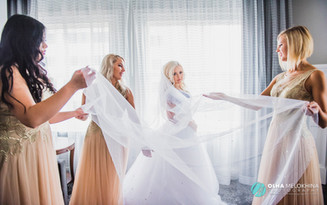 Top 8 Photos With Your Bridesmaids That You Absolutely Need