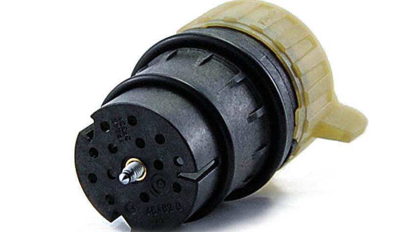 Transmission Plug Connector