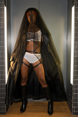 Model: Leslee Luz