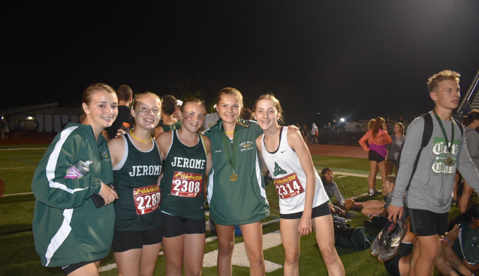 girls team 6.JPG