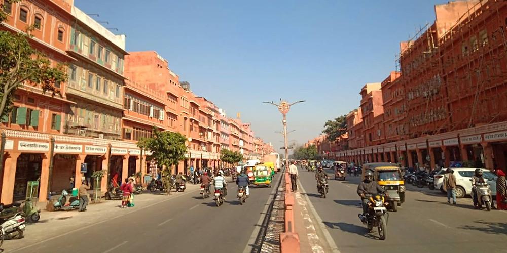 The clean and organised Johari Bazaar