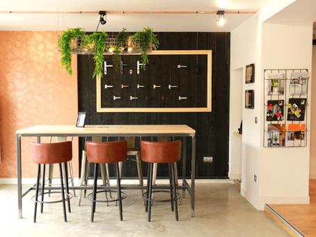 Showroom aménagé par La Petite Nénette : quand le style industriel rencontre l'esprit jungle!