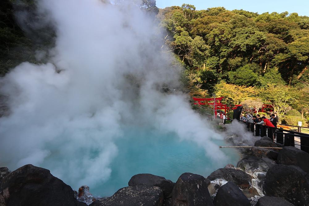 Les eaux de l'enfer... voici les célèbres bains d'eau chaude Japon onsen bien-être