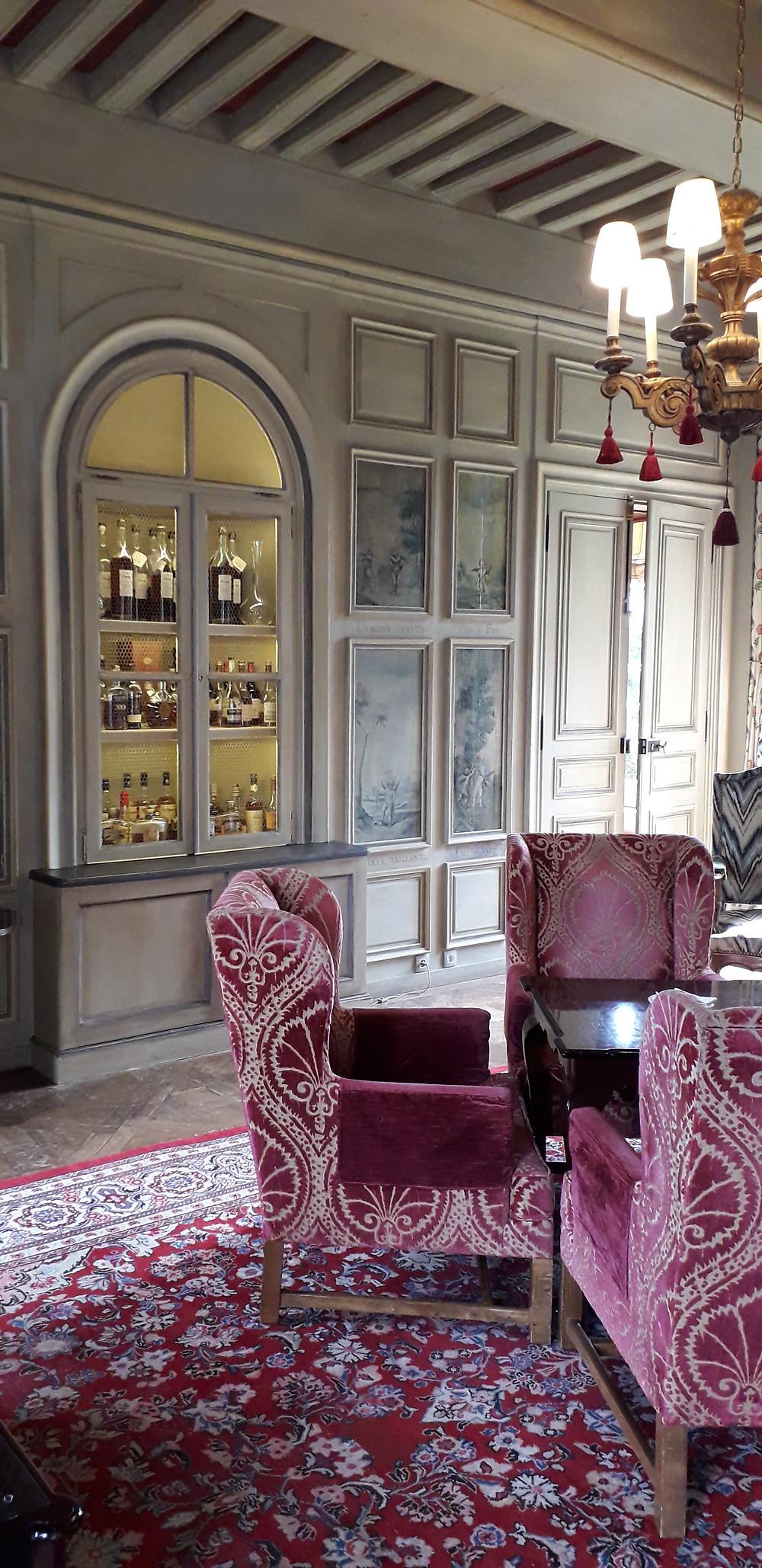 seminars well being wine tasting initiation La Petite Nenette in Chateau de Courcelles