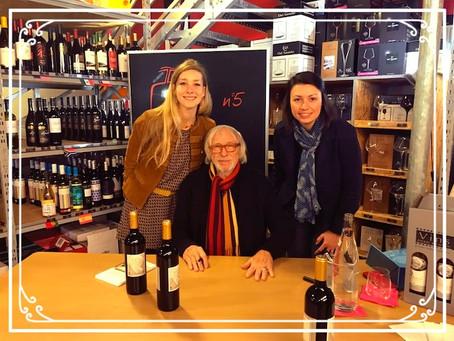 Derrière le cinéma, un domaine viticole à découvrir... Pierre Richard!