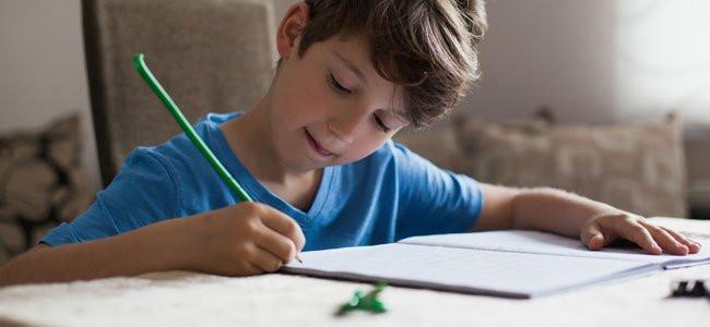 Dificuldade em manter a concentração nas tarefas, atividades, principalmente quando são chatas ou difíceis. Pode ser uma conversa com alguém, assistir uma aula, ler um livro.