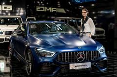 Mercedes Verkäuferin I Autoshow I Cemera Photography