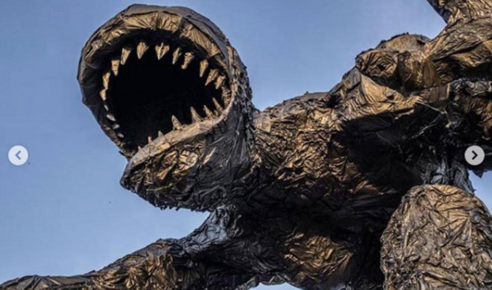 Plastic monster (4).jpg