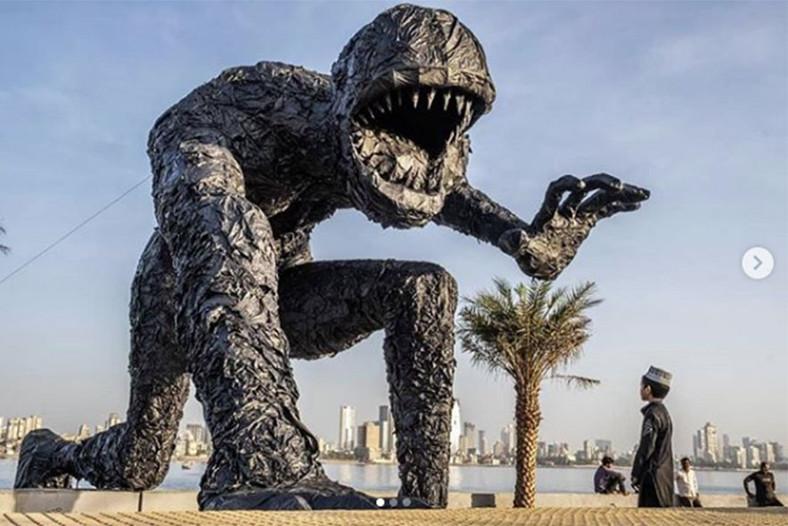 Plastic monster (10).jpg