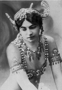 mata_hari_1907