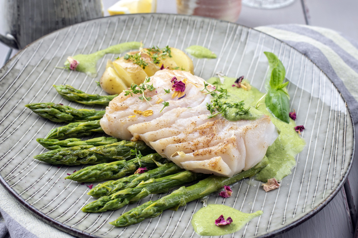 8vis-filet-with-green-asparagus-aardappe