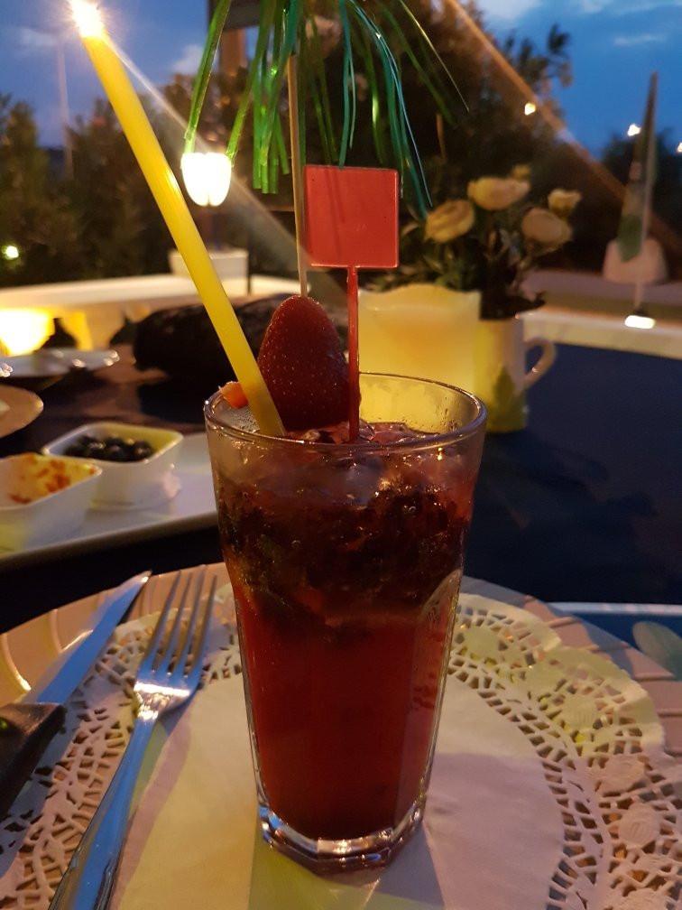 strawberry mojito.jpg