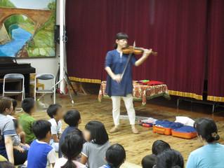 バイオリン演奏とバルーンアート