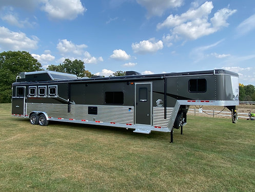 NEW 2021 Bison Desperado 4 Horse 8' wide 16' LQ with slide out, Stock # 0171