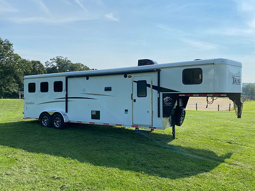 USED 2019 Bison Trail Hand 3 Horse Excellent Condition