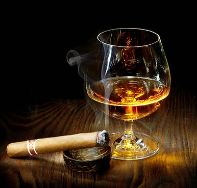 Pairing-cigars-and-cognac-is-a-longstand